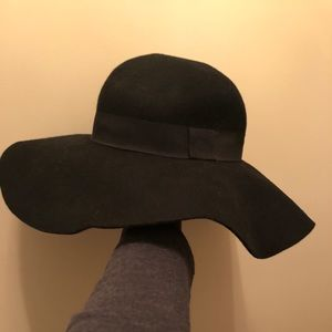 NWOT Wide Brim Hat